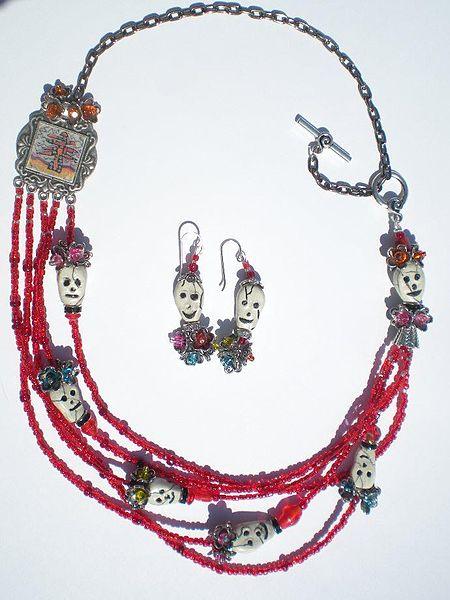 450px-Skull_Art_Jewelry